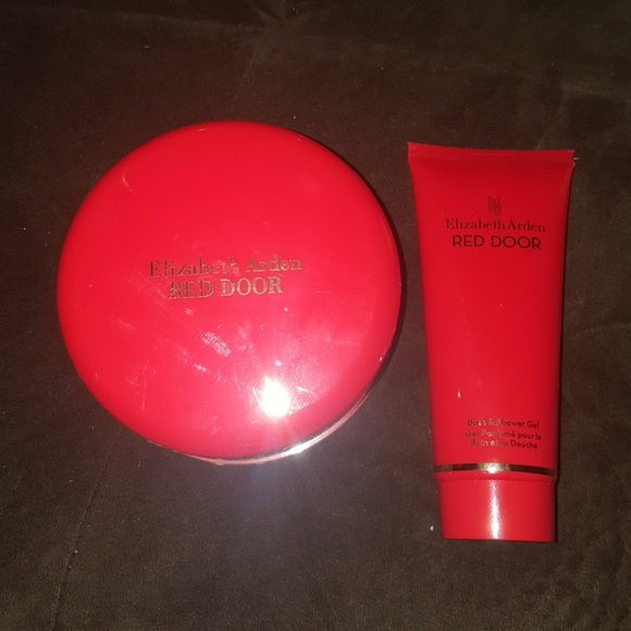 Elizabeth Arden Other   Elizabeth Arden Red Door Powder And Shower Gel